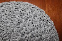 #Koło #NaSzydełku #Dywan #ŚciegGwiazdka #Wzór #Pattern #Crochet Star Stitch, Crochet Hats, Beanie, Stars, Knitting, Stitches, Youtube, Fashion, Knitting Hats