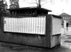 Affichage sauvage à Berne pendant l'exposition quand les attitudes prennent forme, Daniel Buren, 1969 Daniel Buren, Outdoor Furniture, Outdoor Decor, Outdoor Storage, Berne, Sculpture, Construction, Radiation Exposure, Savages