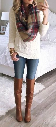 18 Cozy Winter Outfits To Wear This Season! 2019 HAVE I have pretty much all the pieces of this outfit (jeans brown boots white sweater plaid scarf) and I love it! The post 18 Cozy Winter Outfits To Wear This Season! 2019 appeared first on Sweaters ideas. Fall Winter Outfits, Autumn Winter Fashion, Summer Outfits, Winter Wear, Winter Style, Brown Boots Outfit Winter, Winter Clothes, Dress Winter, Winter Scarf Outfit