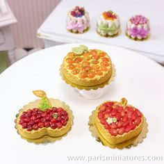 Miniature Fruit Tarts - French Desserts in 12th Scale | par Paris Miniatures