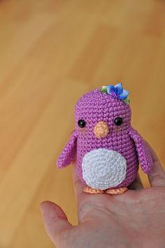 Mesmerizing Crochet an Amigurumi Rabbit Ideas. Lovely Crochet an Amigurumi Rabbit Ideas. Amigurumi Free, Crochet Patterns Amigurumi, Crochet Dolls, Crochet Penguin, Crochet Birds, Crochet Gratis, Free Crochet, Yarn Projects, Crochet Projects