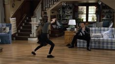 netflix funny dance dancing cute hiphop ramona fullerhouse fullhouse sonibringas from Funny Dance, Dance Humor, Netflix Funny, Moves Like Jagger, Fuller House, Hiphop, Dancing, Gifs, Cute
