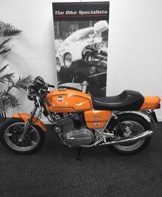 Laverda Bike Builder, Classic Italian, Custom Bikes, Bobber, Motorbikes, Badass, Boat, Cafe Racers, Engine