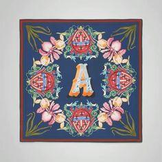 #구찌 가 선보이는 한편의 작품 같은 스카프 컬렉션. 브랜드 로고와 큐브를 활용한 패턴이 돋보이는 GG 월페이퍼와 일러스트레이터 제이드 피시와의 콜라보로 탄생한 드로잉 스카프 그리고 웹 디테일과 알렉산드로의 A'를 활용한 플로랄 프린트 스카프 까지!  via HARPER'S BAZAAR KOREA MAGAZINE OFFICIAL INSTAGRAM - Fashion Campaigns  Haute Couture  Advertising  Editorial Photography  Magazine Cover Designs  Supermodels  Runway Models
