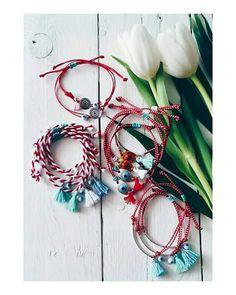 Handmade Bracelets, Handmade Jewelry, Diy Tassel, Statement Jewelry, Christmas Wreaths, Jewelery, March, Jewelry Making, Diy Crafts