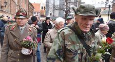Noticia Final: Veteranos de tropas nazistas invadem as ruas de Ri...