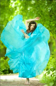 Turquoise | flowing dress, photography