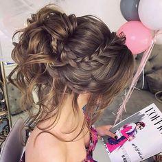 Курс по причёскам в @elstilespb / one on one wedding hair class Стоимость курса: 1 день - 12.000 4 дня - 38.000 Преподаватель - Юлия Дианова Все инструменты включены в стоимость Вы можете записаться в любой удобный для вас день #среднийпучокэль