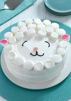 Easy Lamb Cake – for Easter! No need for a special cake pan for our Easy Lamb Cake! The adorable cake is as easy as it is delicious and soon to be the centerpiece of your Easter dessert table. Kraft Recipes, Cake Recipes, Dessert Recipes, Kraft Foods, Recipes Dinner, Food Cakes, Cupcake Cakes, Kid Cupcakes, Cake Cookies