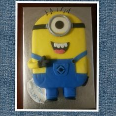 Minion By: Dees'Licious Cakes by Dana