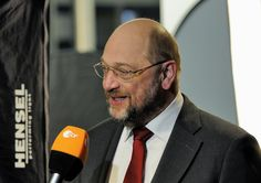 (Jürgen Fritz) Unglaublich – aber Insider gehen tatsächlich davon aus, dass der neue SPD-Held Martin Schulz inzwischen Multi-Millionär ist. Wie er das geschafft hat? Wir versuchen es herauszu…