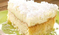 Torta invertida de abacaxi e coco
