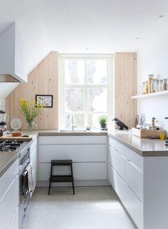 55 Лучших идей дизайна маленькой кухни: стиль, эргономичность и уют http://happymodern.ru/idei-dizayna-malenkoy-kukhni/ Idei_dlya_malenkoj_kuxni039