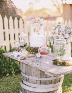 Mesa de doces: decoração diferenciada, ligada à natureza e romântica