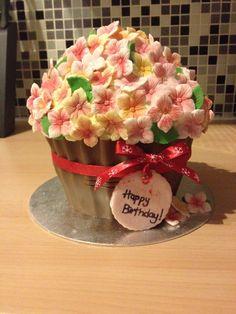 New giant cupcake design :)