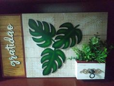 Arte Pallet, Decoupage, Arte Country, Gisele, Stencils, Plants, Wooden Crafts, Arts And Crafts, Diy And Crafts