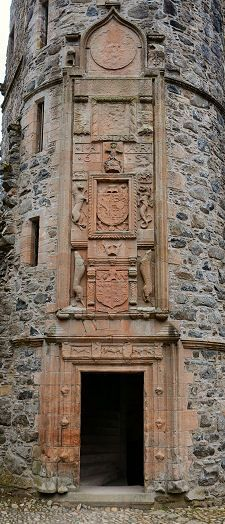 Huntly Castle-carved heraldic, Scotland Huntly Castle is a ruined castle in Huntly in Aberdeenshire, Scotland. It was the ancestral home of the chief of Clan Gordon, Earl of Huntly