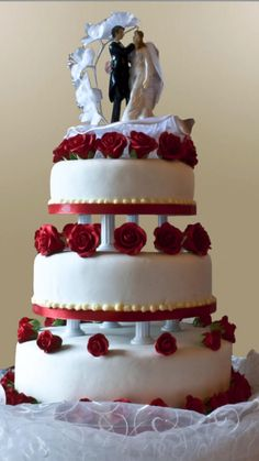 Wedding Cake Images, Wedding Cake Red, Wedding Cake Prices, Wedding Cake Decorations, Wedding Cake Designs, Wedding Cake Toppers, Wedding Ideas, Centrepiece Wedding, Fruit Wedding