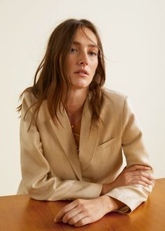 Structured linen jacket - f foBlazers Women Fashion Looks, Fashion Tips, Fashion Design, Fashion Trends, Womens Fashion, Linen Jackets, Jolie Photo, Looks Cool, Editorial Fashion