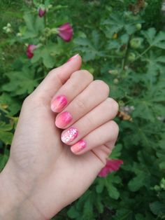 Gradient summer nails