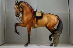 Both horse & tack are stunning! (damn!!! I SO need to get my boy painted!!)