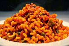 Pasta Ätna - Tomaten-Thunfisch Sauce mit Oliven & Kapern
