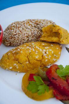 Glutenfrei /Glutenfree : Kürbis-Kartoffelkroketten  <3   Pumpkin-Potatocroquettes <3 http://www.vivalasvegans.de/rezepte/hauptgerichte/k%C3%BCrbis-kartoffelkroketten/