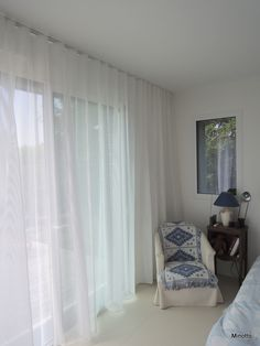Rideaux Waves -Tringles Silent Gliss - Voilage Nya Nordiska #Wave #Voilage… Window Curtains, Curtains Living, Rear Extension, Decoration Design, Living Furniture, Window Treatments, Glass Doors, Living Room, The Originals