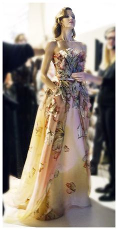 A ritual calm and magnetic energy infuses the backstage preparations for the ELIE SAAB Haute Couture Spring Summer 2015 fashion show in Paris, a tribute to the generous, warm and glamorous spirit of...