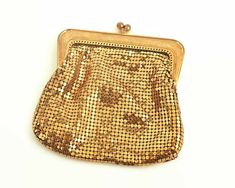Vintage Oroton gold mesh coin purse with kiss lock, larger sized coin purse by CardCurios on Etsy Metal Mesh, Gold Texture, Gift Tags, Larger, Coins, Coin Purse, Handbags, Purses, Etsy