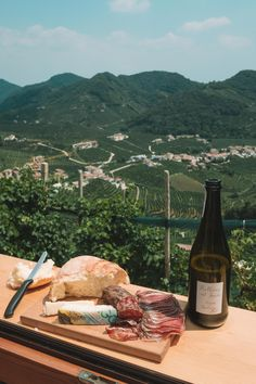 There is a vending machine in Italy that dispenses prosecco, wine and biscotti! Here are my tips for visiting the Prosecco Vending Machine in Valdobbiadene! Italian Life, Italian Summer, Cool Places To Visit, Great Places, Ancient Pompeii, Italy Travel Tips, Visit Italy, Vending Machine, China Travel