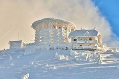 Transylvania Romania, Mountain Images, Photo Library, Skiing, Taj Mahal, Stock Photos, Adventure, House Styles, Travel