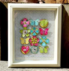 flower & butterfly frame by wendy mckee! Box Frame Art, Box Frames, Scrapbooking, Scrapbook Paper, Fun Crafts, Paper Crafts, Crafts With Pictures, Butterfly Frame, Craft Projects