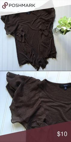 """Mystree brown flutter sleeve top! Small Mystree brown ruffled blouse! Super cute, I love this color for fall!🍁 Mystree // small // 17"""" pit to pit, 23 inches long Mystree Tops Blouses"""