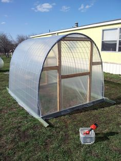 DIY How to Build a Cattle Panel Greenhouse ~ Green Iowa Energy