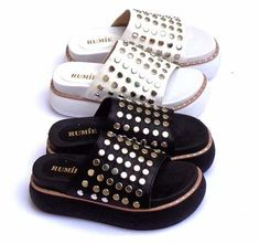 Sandalia Zueco Gomon Apliques Plataforma Mujer Verano 2018 - $ 690,00 Wedge Sandals, Shoes Sandals, Heels, Cute Slippers, Fashion Sandals, Dream Shoes, Hot Shoes, Summer Shoes, Leather Shoes
