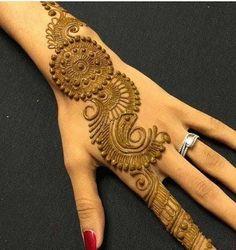 Beautiful and easy henna mehndi designs for every occasion - ArtsyCraftsyDad New Mehndi Designs 2018, Indian Mehndi Designs, Modern Mehndi Designs, Mehndi Designs For Girls, Henna Art Designs, Beautiful Henna Designs, Simple Design Of Mehndi, Tattoo Designs, Beautiful Mehndi