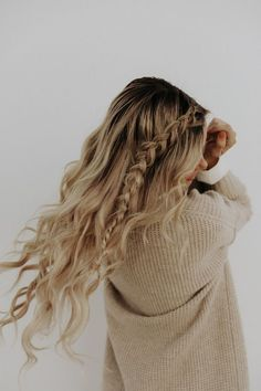 March Podcast: Freakonomics - Barefoot Blonde by Amber Fillerup Clark - Frisuren Trends Barefoot Blonde, Everyday Hairstyles, Hair Day, Hair Looks, Cool Hairstyles, Wedding Hairstyles, Cute School Hairstyles, Back To School Hairstyles For Teens, Hairstyle Wedding