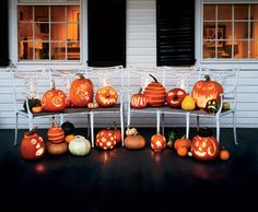 60 Cute Diy Halloween Decorating Ideas 2017 Easy Halloween with sizing 4966 X 2740 Halloween Home Decor Ideas - Halloween is an event which can be enjoyed Halloween Veranda, Fete Halloween, Holidays Halloween, Halloween Pumpkins, Happy Halloween, Cheap Halloween, Outdoor Halloween, Vintage Halloween, Homemade Halloween