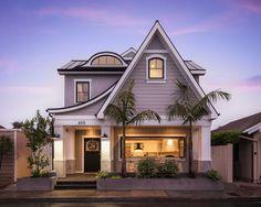 Small Lot California Home with Farmhouse Interiors  -  Newport Beach