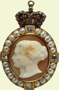 Badge of the Order of Victoria and Albert (Third Class)