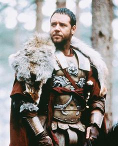 Maximus (Russell Crowe) 'Gladiator' Costume design by Janty Yates. Gladiator Maximus, Gladiator Movie, Russell Crowe Gladiator, I Movie, Movie Stars, Films Cinema, Cinema Cinema, Warrior Spirit, Roman Soldiers