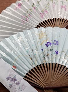 Japanese paper folding fans, Sensu 扇子 #invitationsbyajalon