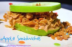 Apple Sandwiches - A Delicious Healthy Snack Healthy Diet Snacks, Healthy School Lunches, Healthy Eating, Healthy Recipes, Apple Recipes, Lunch Recipes, Real Food Recipes, Scottish Oat Cakes, Apple Sandwich