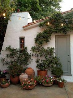 65+ Pretty Front Door Flowers Pot Ideas #frontdoor #flowerpot #ideas