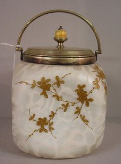 527: SATIN MOTHER-OF-PEARL BISCUIT JAR. Pinch : Lot 527
