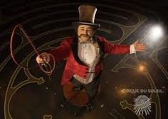 Last week I went to see the show Corteo of Cirque du Soleil. It is the second time I see one of these shows, because last year I had t. Circus Show, Circus Circus, Circus Acts, Elephants Photos, Circus Costume, Fantasy Characters, Fictional Characters, Optical Illusions, Pose Reference