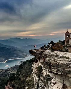 Follow @Marinacomes for more amazing Earth Photography! Siurana Cataluna Spain - Photography by @Marinacomes. #OurPlanetDaily by ourplanetdaily