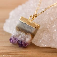 Amethyst Stalactite Necklace  Purple Amethyst Slice  por OhKuol, $49,00