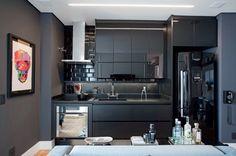 """4,696 curtidas, 46 comentários - Casa e Jardim (@casaejardim) no Instagram: """"Com projeto de Nelson Kabarite, esse apartamento no Itaim Bibi materializa os sonhos de um jovem…"""""""